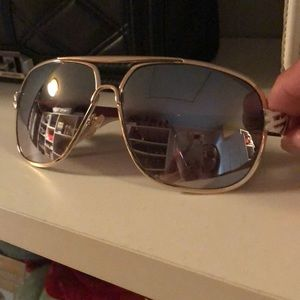 88fe76a12f0 Rocawear Accessories - Rocawear sunglasses gold frame